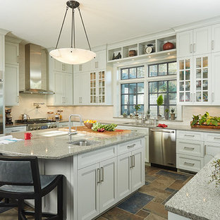 Traditional kitchen designs - Inspiration for a timeless kitchen remodel in Grand Rapids
