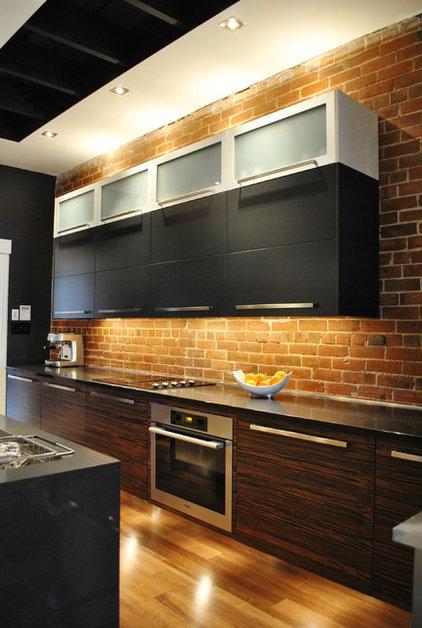 Contemporary Kitchen by Tanner Vine - 2Go Custom Kitchens Inc