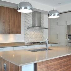 Modern Kitchen by Tanner Vine - 2Go Custom Kitchens Inc
