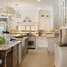 Traditional Kitchen Kitchen 04