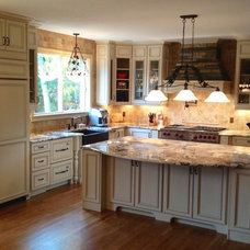 Traditional Kitchen by Harris McClain Kitchen & Bath