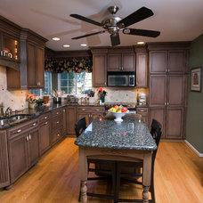 Traditional Kitchen by John Seber