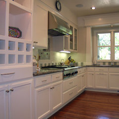 traditional kitchen by Alfonso and Harmon Architects