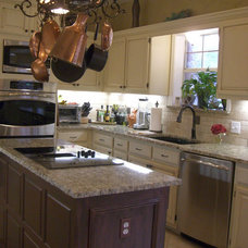 Traditional Kitchen by Home Innovations