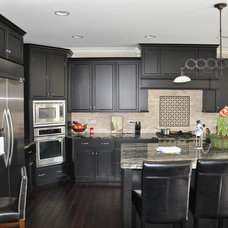 Eclectic Kitchen by Coora Construction Inc
