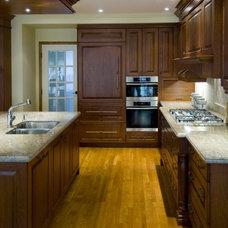 Traditional Kitchen Kitchen 911 Photo