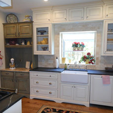 Traditional Kitchen by Absolute Cabinets & Design