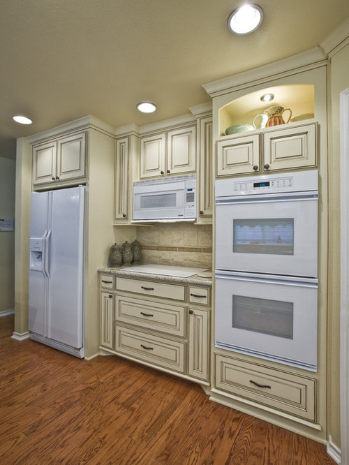 Cream glazed cabinets houzz for Traditional kitchen appliances