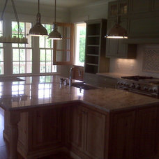 Traditional Kitchen by Akin Construction Co., LLC
