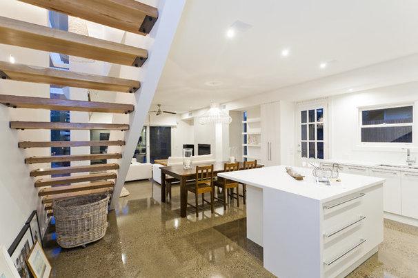 Contemporary Kitchen by Altereco Design