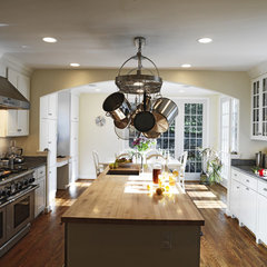traditional kitchen by Dave Vogt / Case Design