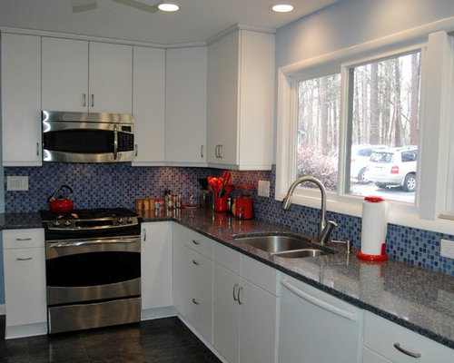 Bright and Cozy Kitchen with Cambria Parys Quartz Countertops