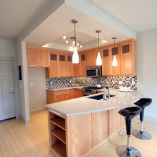 Modern Kitchen by Jordan Iverson Signature Homes