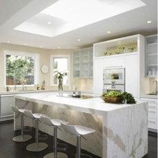 Modern Kitchen by KL Interiors