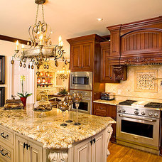 Traditional Kitchen by Jennifer Reynolds - Jennifer Reynolds Interiors