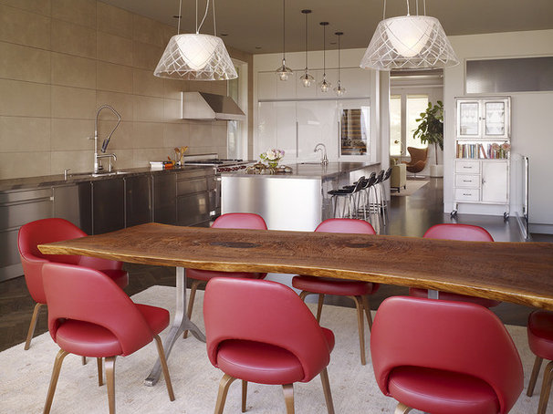 Modern Kitchen by Chloe Warner