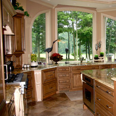 Traditional Kitchen by CDI: Choice Designs, Inc.