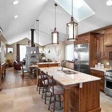 Traditional Kitchen by Habitat Studio