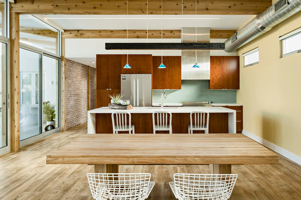 Contemporary Kitchen by The Ranch Mine