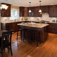 Modern Kitchen by Sherwood Painting