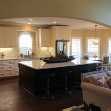 Traditional Kitchen by Michelle's Interiors