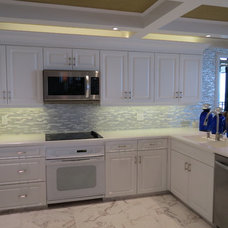 Contemporary Kitchen by INTERIORS BY G