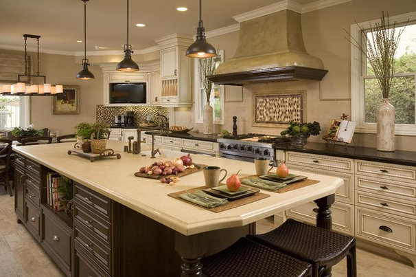 Traditional Kitchen by Cindy Smetana Interiors