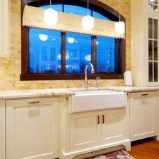 Kitchen by Veranda Estate Homes & Interiors