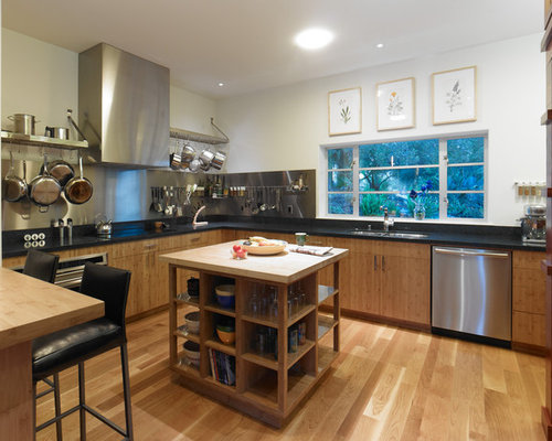 Example Of A Trendy L Shaped Eat In Kitchen Design In San Francisco With