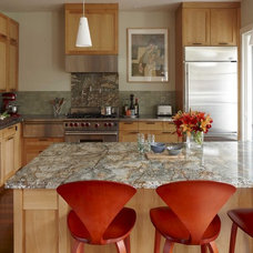 Transitional Kitchen by Andre Rothblatt Architecture