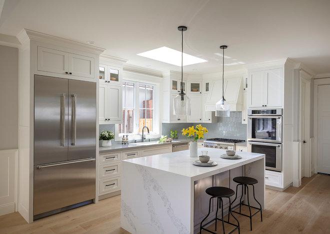 Farmhouse Kitchen by Arch Studio, Inc.