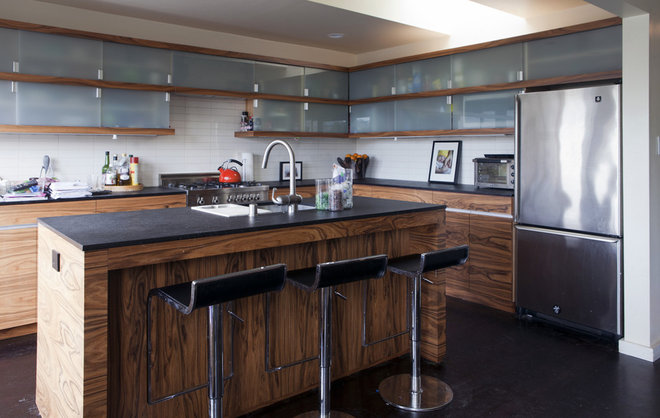 Contemporary Kitchen by Architect Mason Kirby Inc.