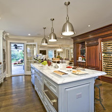 Traditional Kitchen by Gustavson Dundes