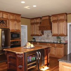 Traditional Kitchen by Atlanta Legacy Homes, Inc.