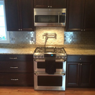 Kitchen Back splash with Stainless Steel Marble Split Face Mosaic Tile