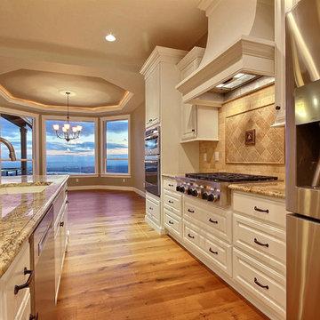 Kitchen Backsplash & Gas Cooktop : The Daybreak - Super Ranch w/ Daylight Baseme