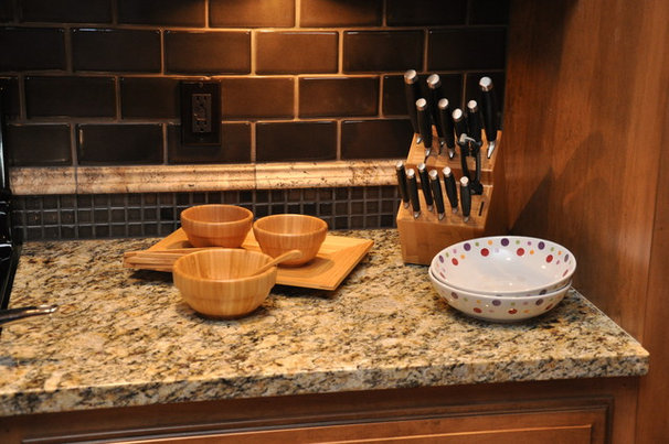 Traditional Kitchen by Gemini Homes Inc.