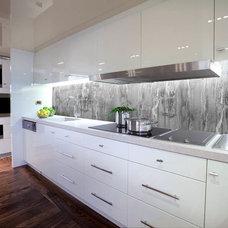 Contemporary Kitchen by MiamiResin llc