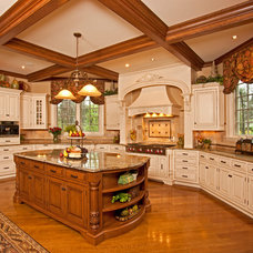 Modern Kitchen Cabinetry by Ayr Cabinet Company