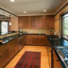Craftsman Kitchen by Bennett Frank McCarthy Architects, Inc.