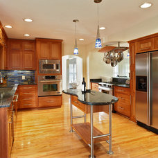 Contemporary Kitchen by CB Construction Company