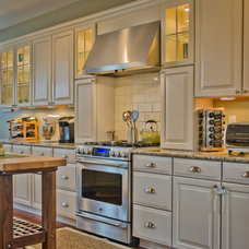 Traditional Kitchen by Blue Line Building Co.