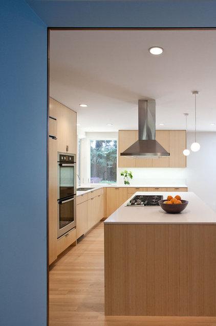 Modern Kitchen by Blue Truck Studio