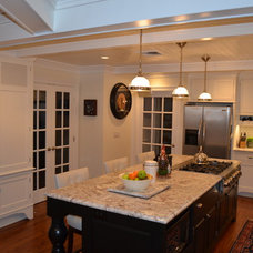 Traditional Kitchen by Daniel Contelmo Architects