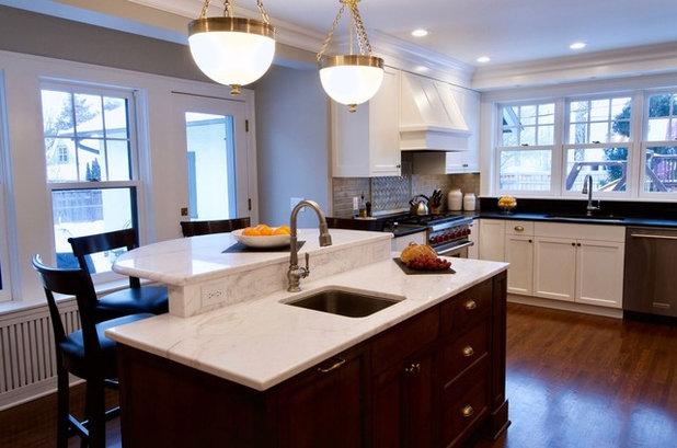 Transitional Kitchen by Minneapolis Granite