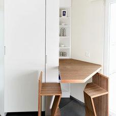 Modern Kitchen by Plexwood