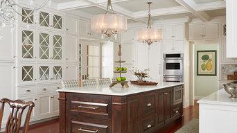 Kitchen Cabinets & Islands