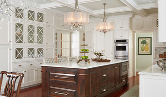Kitchen Cabinets & Islands