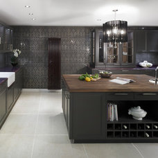 Traditional Kitchen by Foshan Yubang Furniture Co., Ltd.