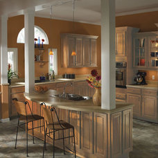 Contemporary Kitchen by Erie Construction Mid West